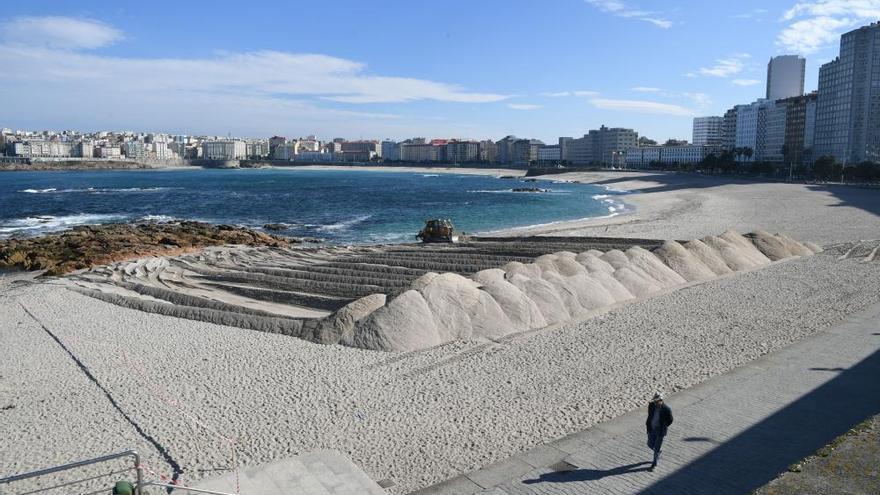 La duna de contención contra temporales toma forma