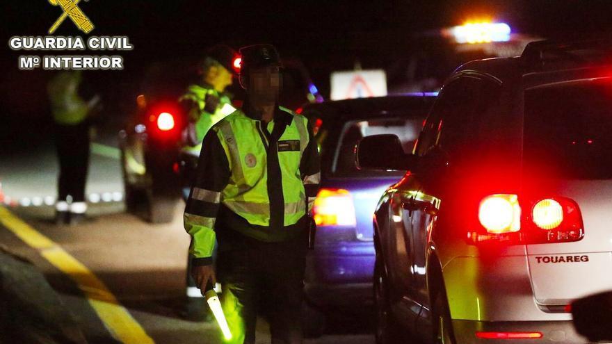 """Investigado un conductor ebrio que iba haciendo """"zig-zag"""" con su coche por la AP-9"""