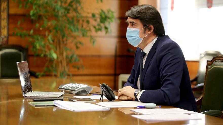 Castilla y León pide a la ministra suspender la protección especial del lobo