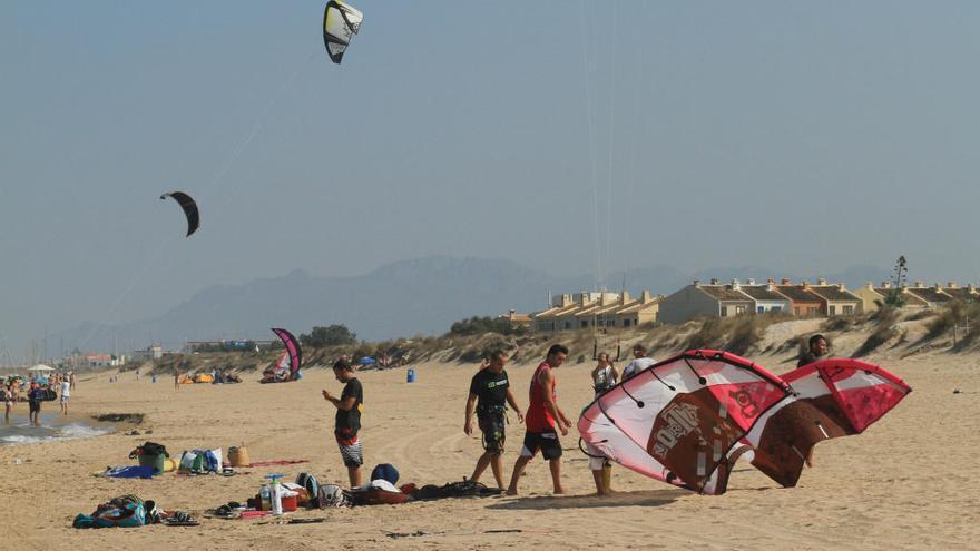 Oliva alega al ver rechazados 4 de los 7 canales deportivos en sus playas