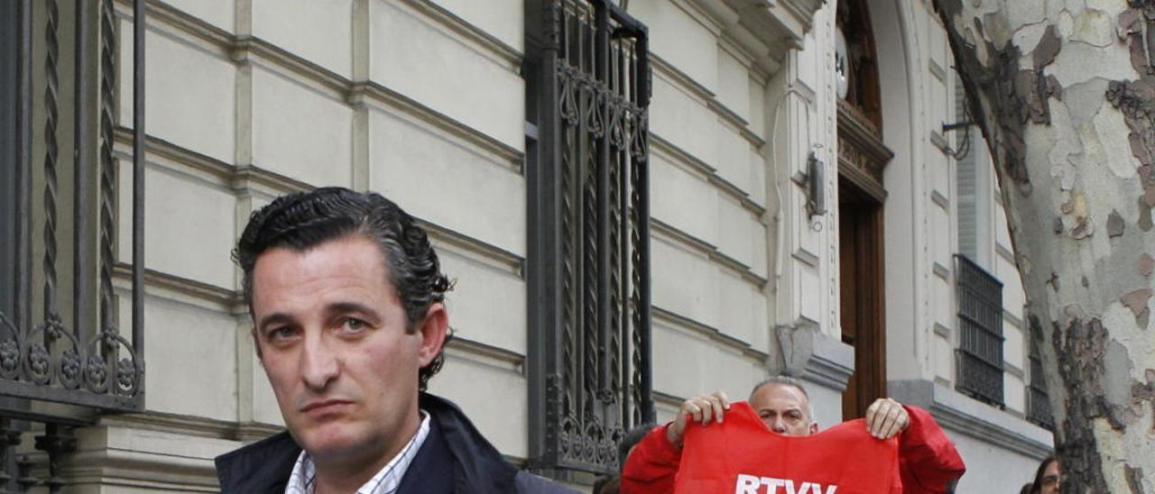 El exdirector general de RTVV, Pedro García, tras declarar en la Audiencia Nacional.