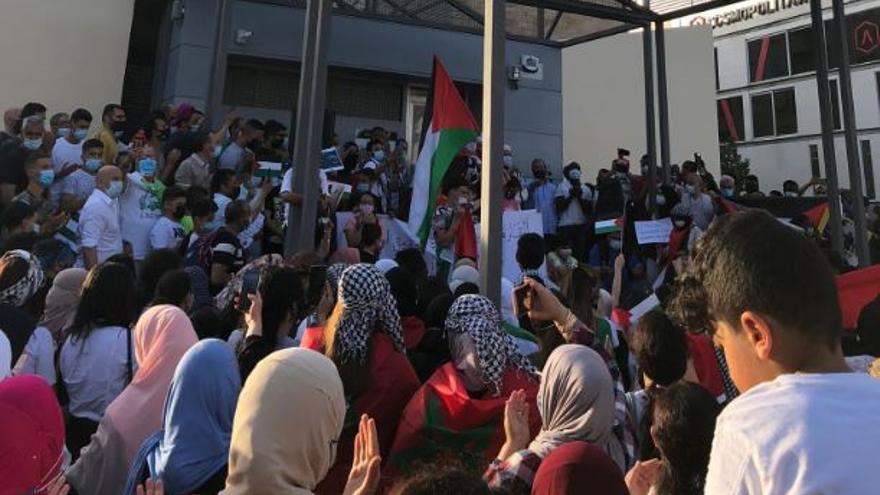 300 personas se manifiestan en Elche para apoyar al pueblo palestino