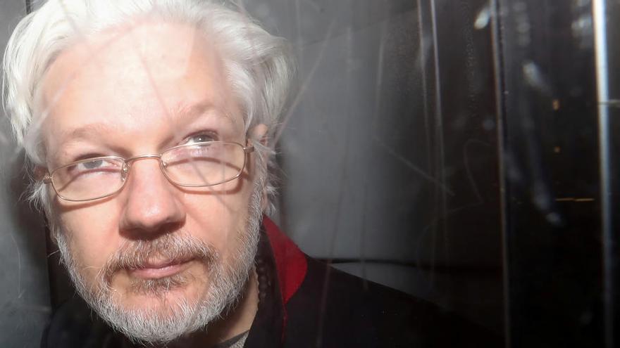 La jutge denega la llibertat condicional a Julian Assange després de descartar la seva extradició als Estats Units