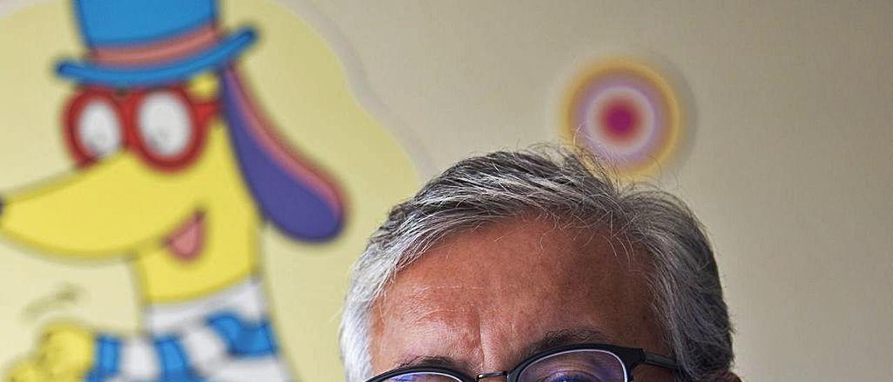 Javier González de Dios es jefe de Pediatría en el Hospital General de Alicante. RAFA ARJONES