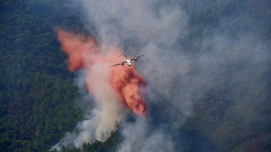 Almenys dos morts en l'incendi que devasta la Costa Blava francesa