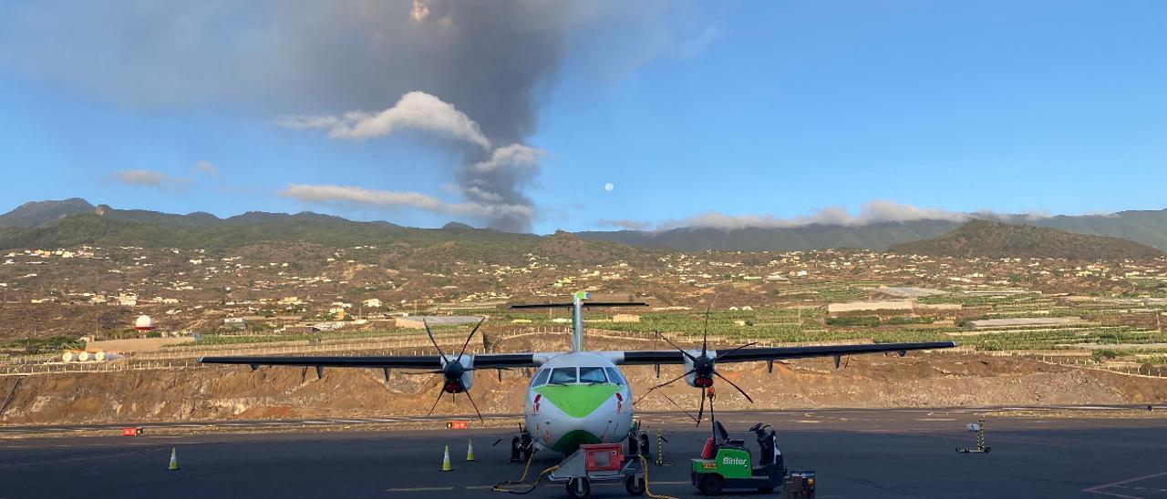 La Palma se queda sin conexiones aéreas a causa de la nube de ceniza volcánica