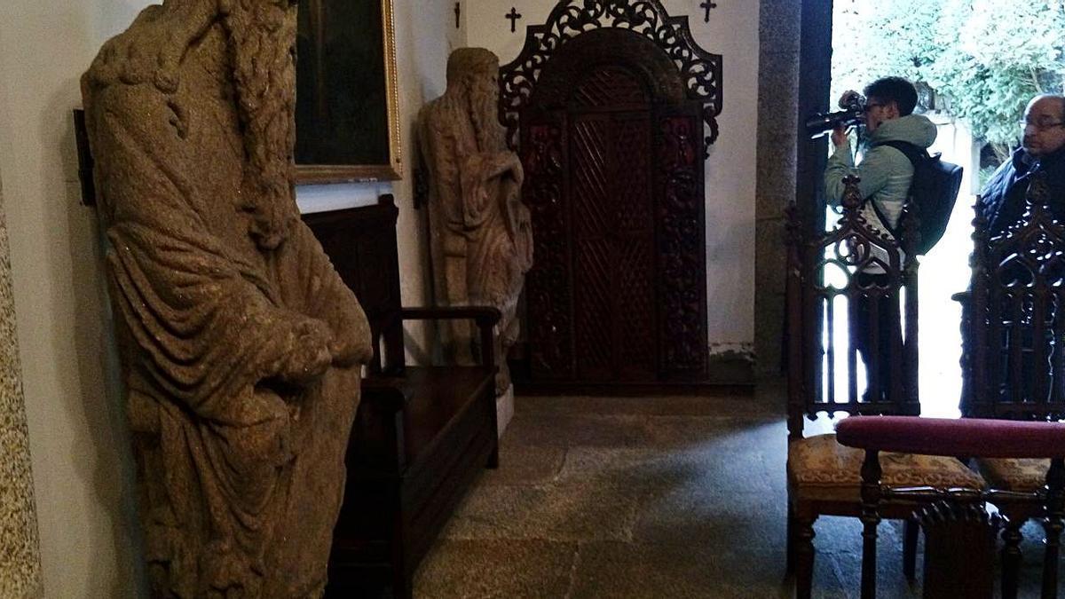 Estatuas del Mestre Mateo, en la capilla del pazo de Meirás |  // LA OPINIÓN