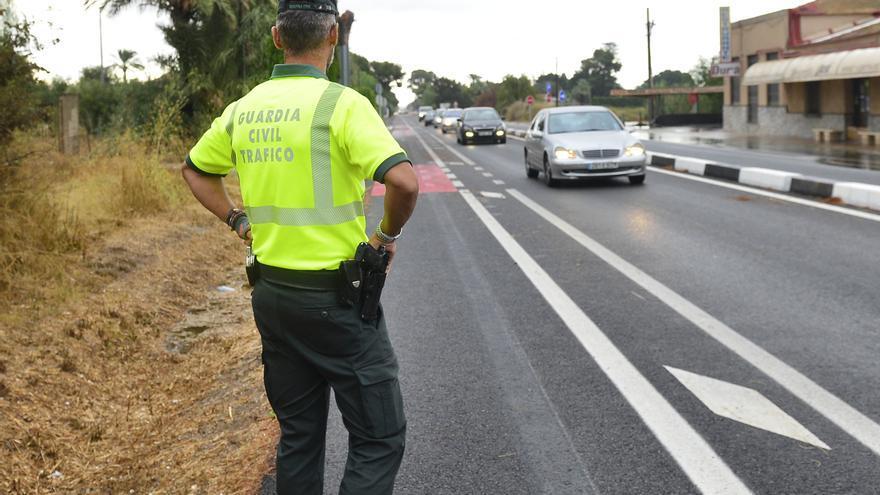 El video de una multa a un ciclista en El Altet se hace viral: «Pues que sepa que le va a caer otra multa»