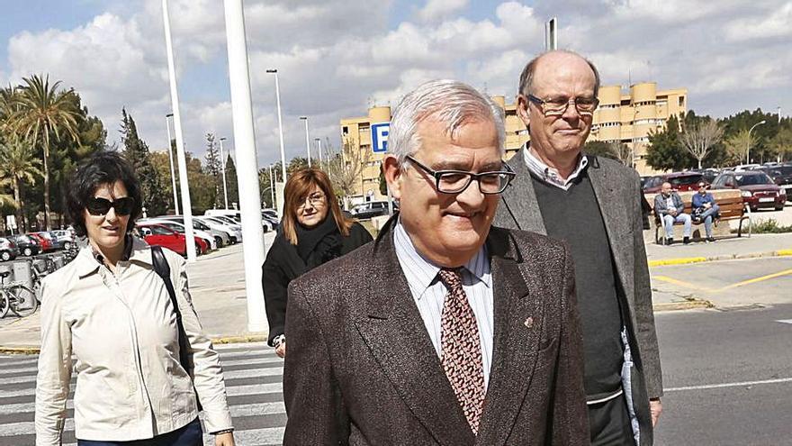 El PP cierra filas con César Asencio y recuerda que otras denuncias quedaron en nada