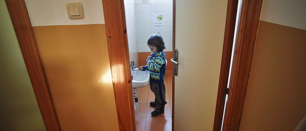 Una niña en la escuela de San Jorge de Heres, en el CRA Cabu Peñes.
