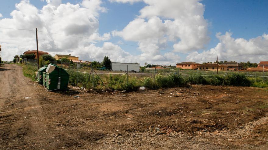 Sancionan a dos vecinos con 1.500 euros por tirar escombros