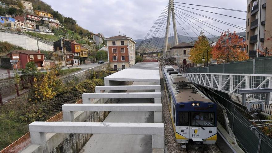 El Ayuntamiento de Langreo ratifica el convenio del soterramiento de las vías de Feve