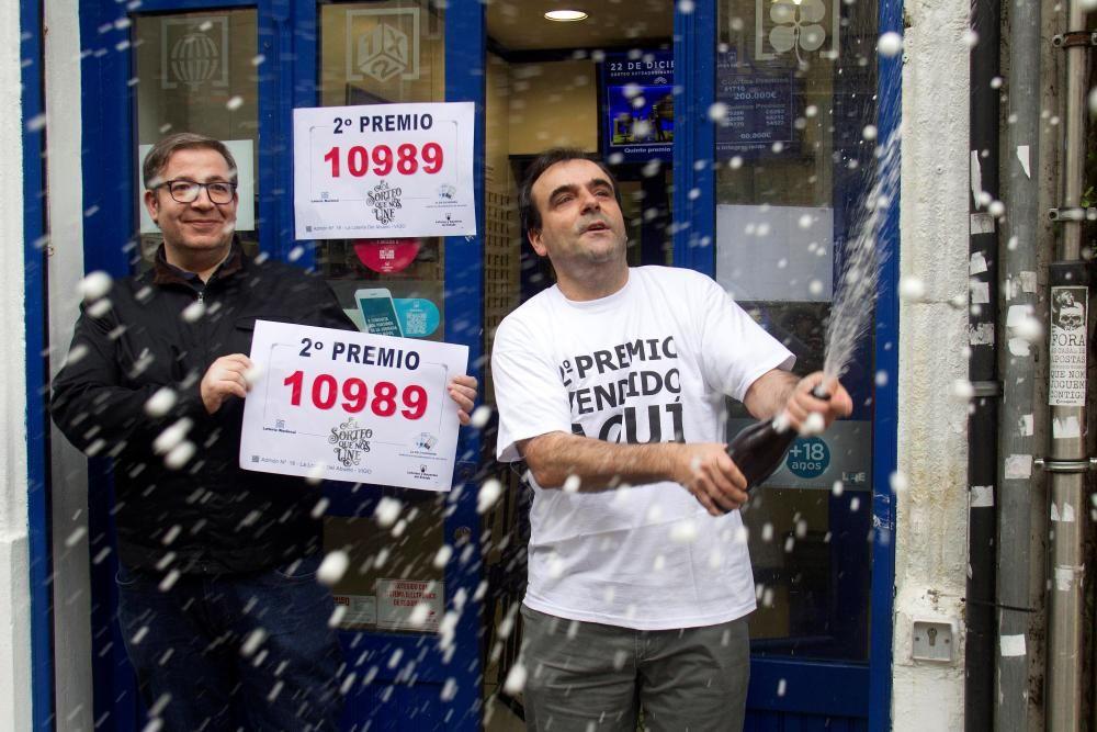 Una serie del segundo premio del 10989 se ha vendido en la administración nº 16 de la calle Policarpo Sanz de Vigo.