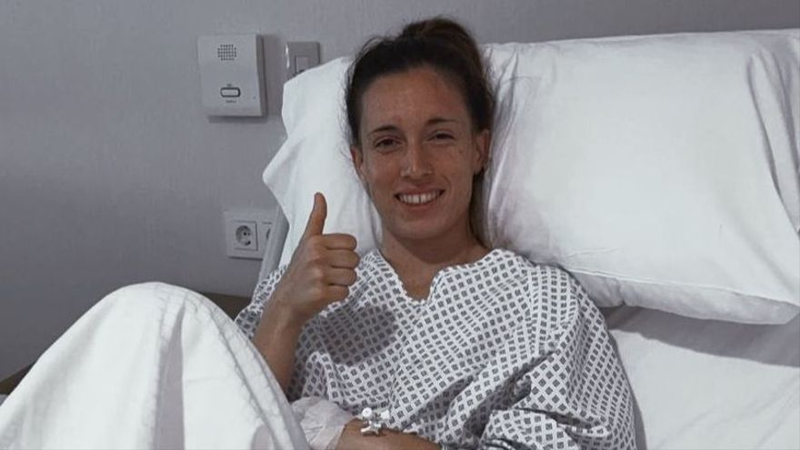 Eva Navarro pasa por el quirófano