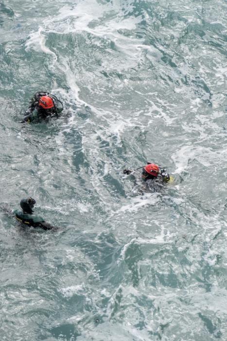 20-02-20 SUCESOS. ZONA DEL MIRADOR DE LA LAJA .LAS PALMAS DE GRAN CANARIA. Localizacion e intento de rescate de un cuerpo de una persona flotando en la zona del Mirador de La Laja.    Fotos: Juan Castro.