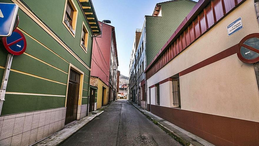 La travesía de la Casa Nueva, en Sama, se reformará para darle mayor espacio peatonal