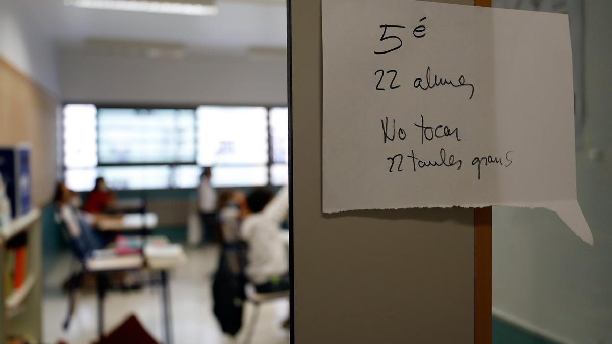 Entrada a un aula