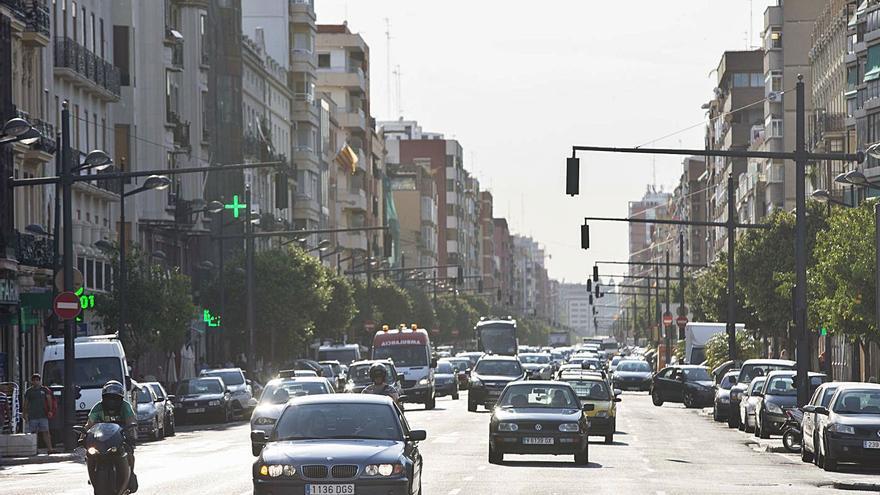 La nueva avenida del Puerto sigue atascada por otro choque entre Gómez y Grezzi
