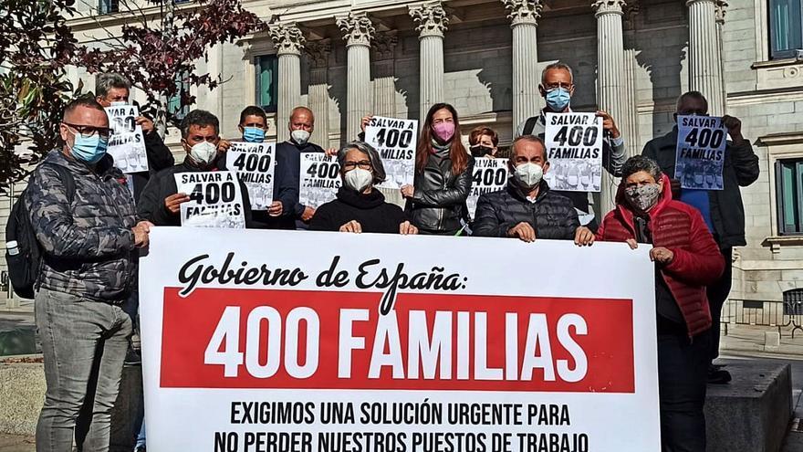 Trabajadores del Oliva Beach reclaman en el Congreso una solución para el hotel