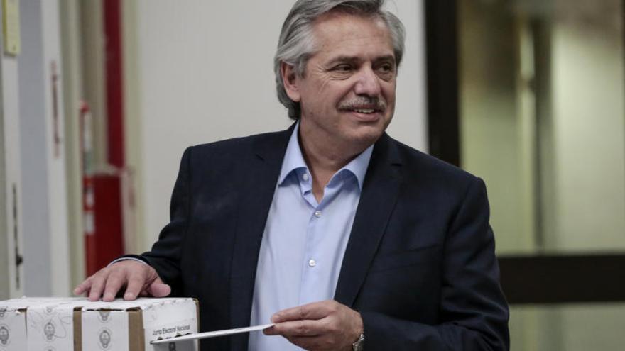 Los sondeos otorgan la victoria en Argentina al peronista Alberto Fernández