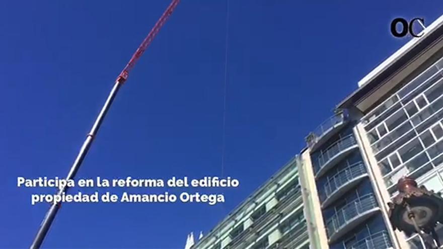 Una enorme grúa en el Cantón para reformar el edificio de Amancio Ortega