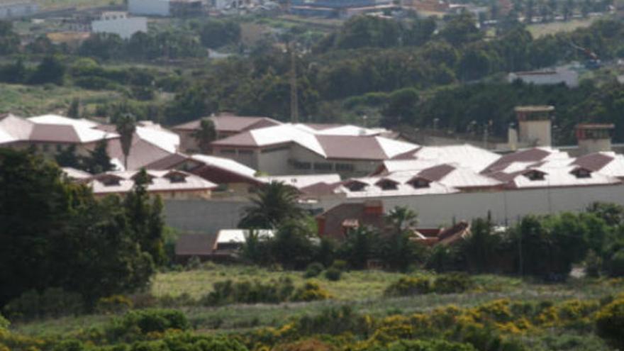 Piden 15 años de cárcel por abusar sexualmente de su hija en Tenerife