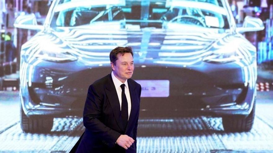Tesla demanda a Rivian por robo de información y de empleados