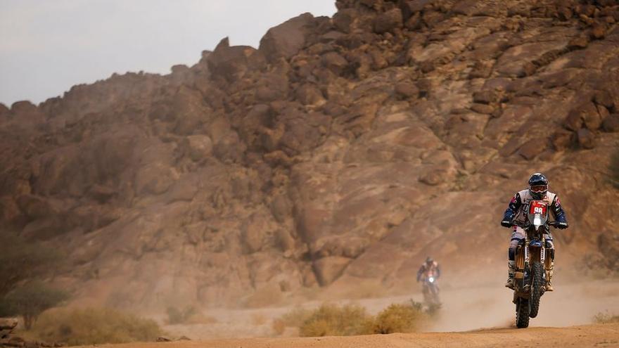 Sara García hace historia al concluir su segundo Dakar