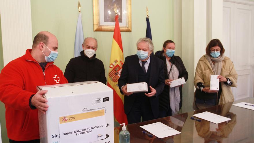82.000 mascarillas para entidades sociales y concellos de la provincia