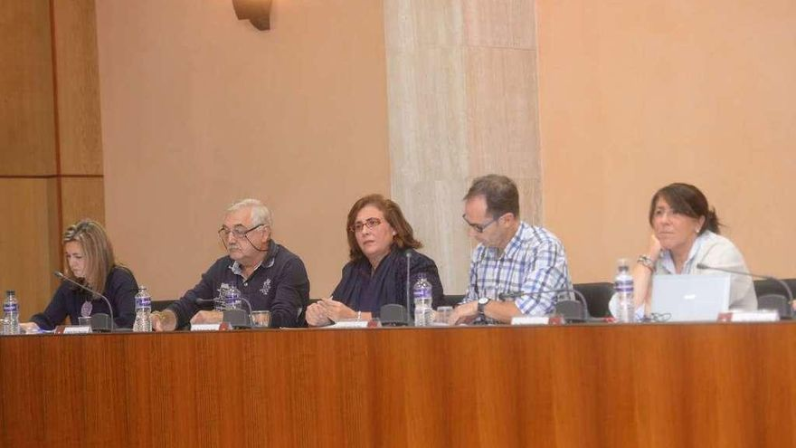 """El PP acusa a Varela de """"sablear"""" a los vilagarcianos con el incremento del IBI"""