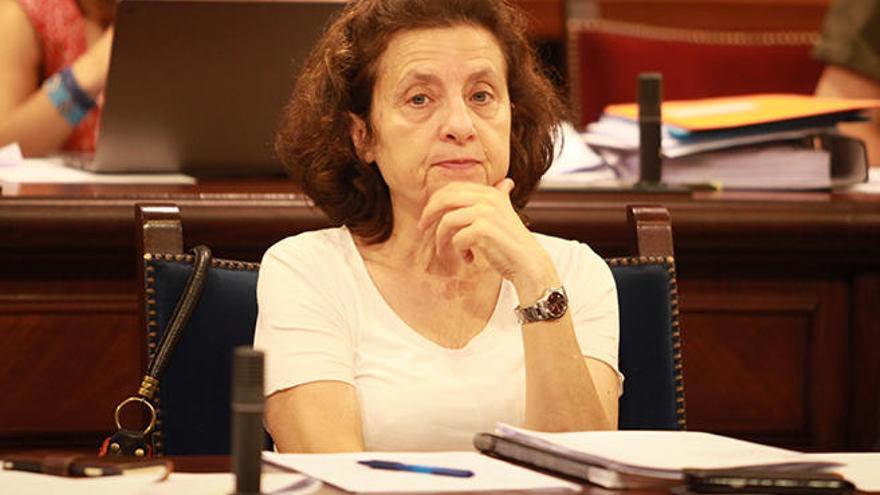 Fina Santiago, perpleja por la decisión de Més de que no ocupe un cargo ejecutivo