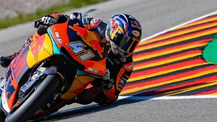 Binder logra el mejor tiempo en Moto2