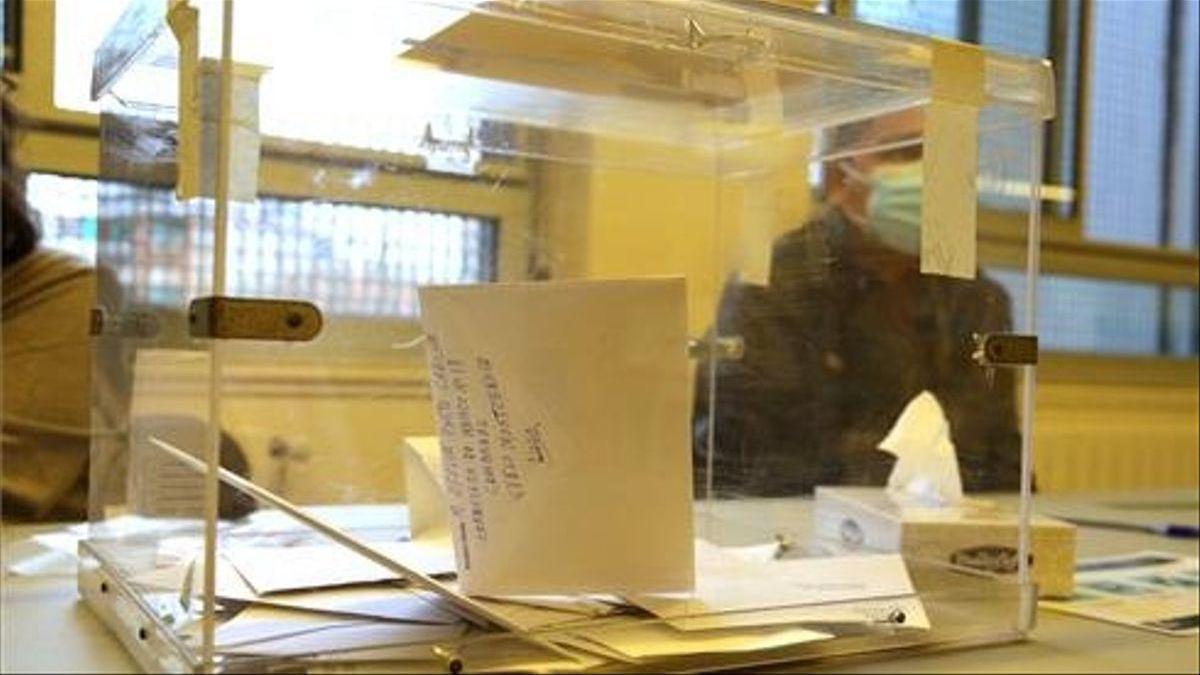 El Tribunal de Cuentas destapa a los partidos casi un millón de euros de gastos de campaña no electorales