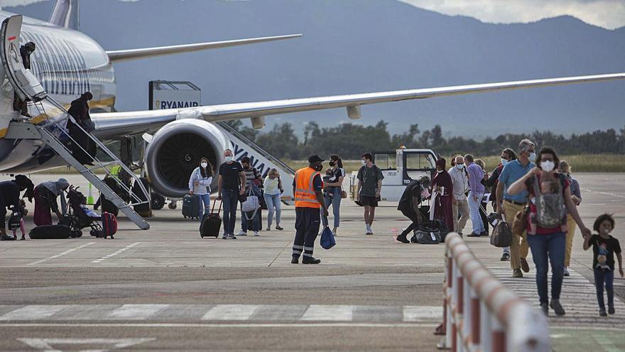 Un estudi defensa potenciar l'aeroport de Girona i arribar als onze milions de viatgers