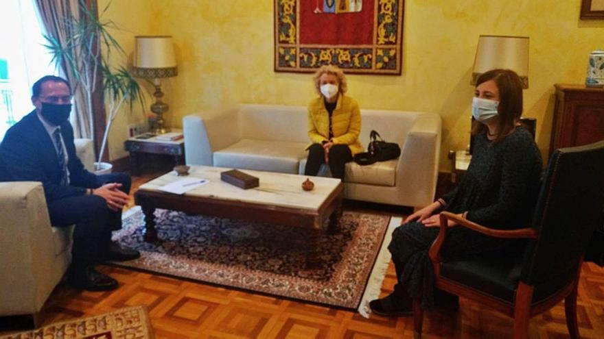 Burganes de Valverde pide a la Subdelegación de Zamora mejora en telecomunicaciones