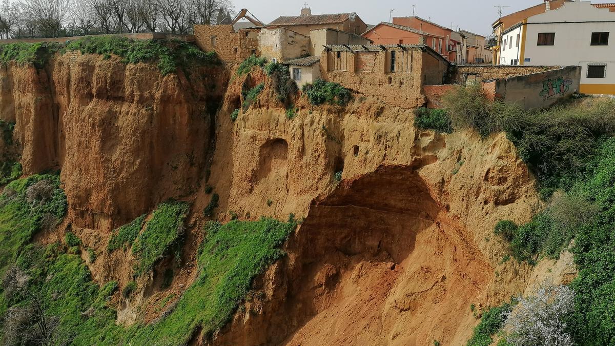 Edificaciones que serán derribadas por la cesión de terreno en el barranco