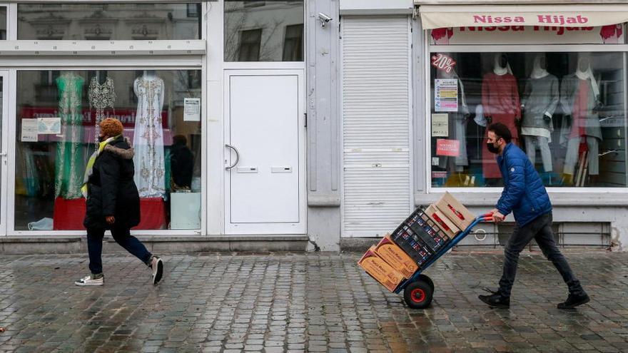 Bélgica mantiene dos semanas las restricciones para frenar el coronavirus