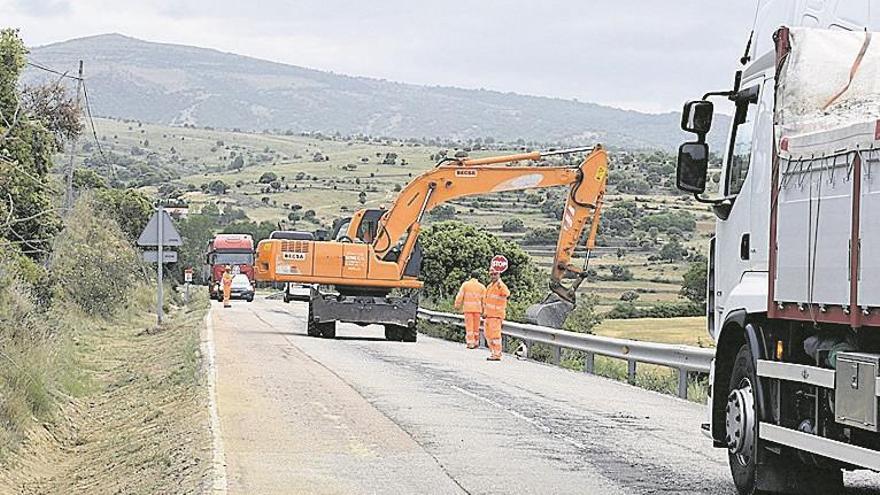 Arrancan las obras de la carretera CV-12 que une Morella con Ares