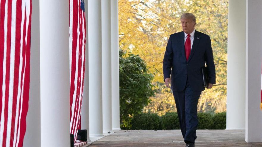 """Trump insta al Congreso a aprobar un rescate económico """"grande y centrado"""""""