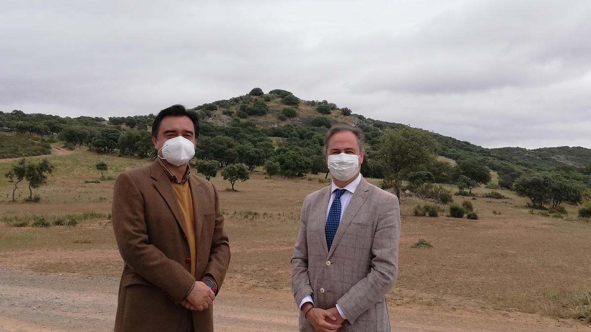 Francisco Ángel Martín y Ángel Pimentel, este miércoles en Los Blázquez.