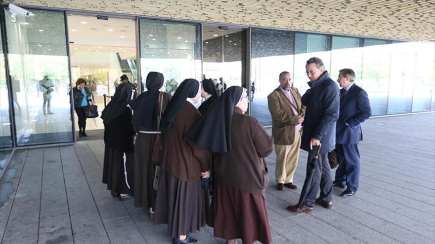 Las clarisas defienden ante la jueza su derecho a vender el convento