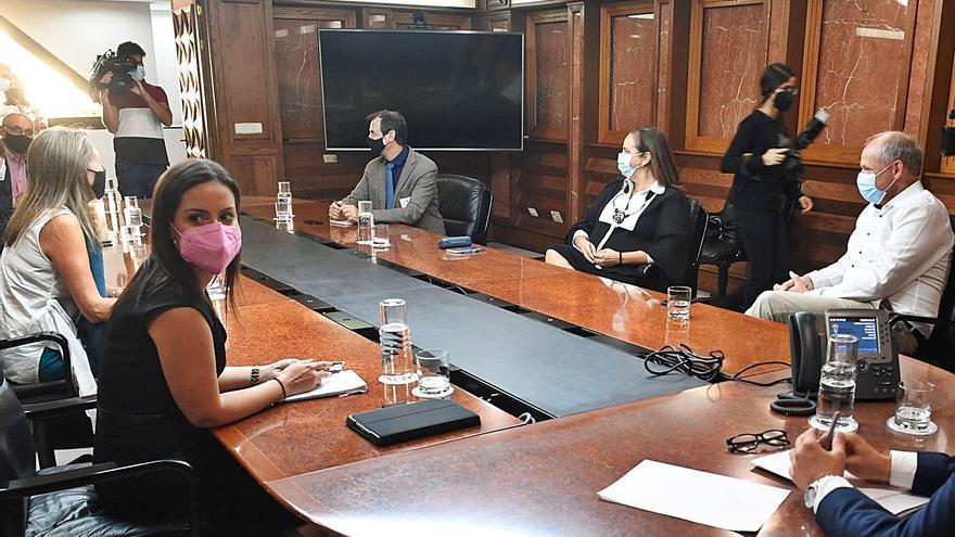 Yaiza Castilla reclama un plan específico del Estado para salvar al turismo canario
