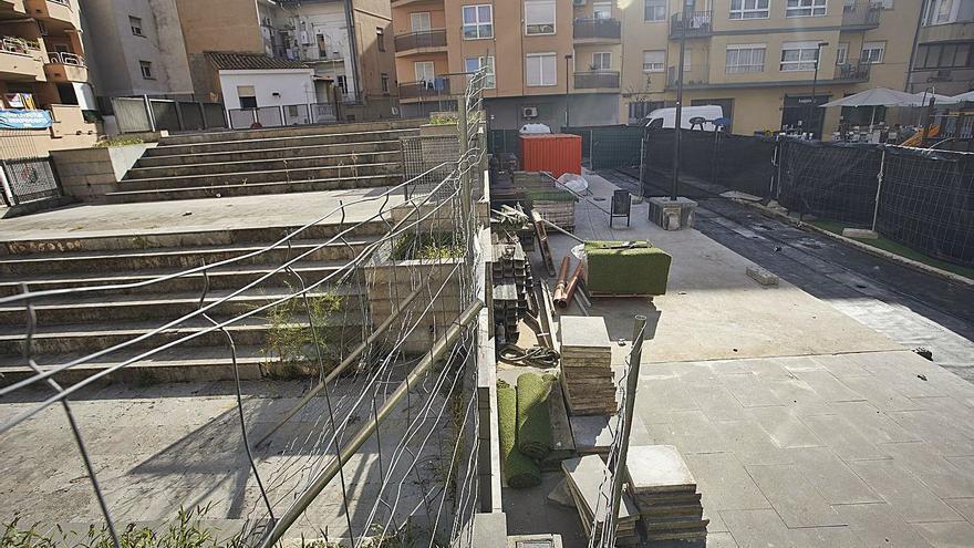 Més obres a la plaça Pallach de Girona per acabar amb els degoters
