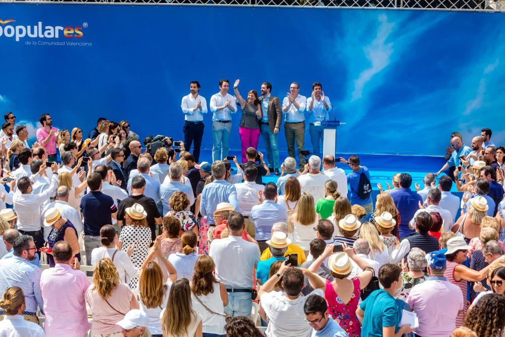 Cerca de 800 personas llenan el auditorio Óscar Esplá del parque de L''Aigüera de Benidorm en el mitin de Pablo Casado
