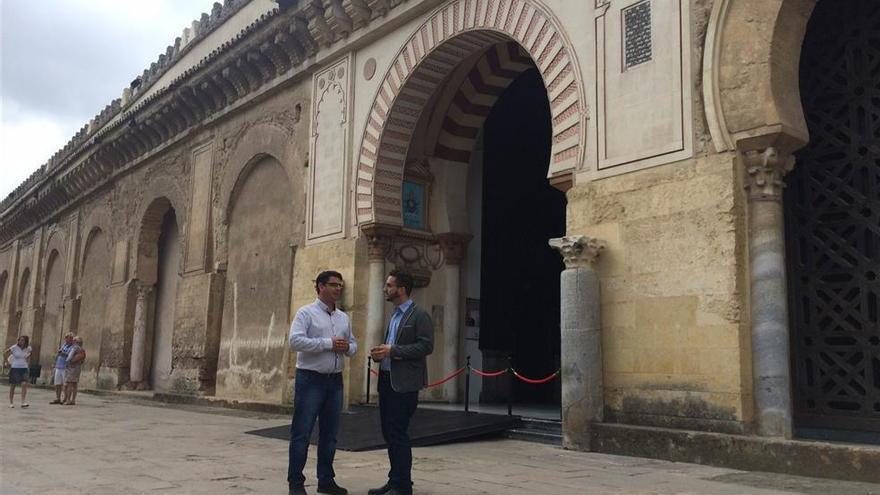 IU considera que cambiar el lugar de la escalera en el Palacio Episcopal atenta contra el patrimonio histórico