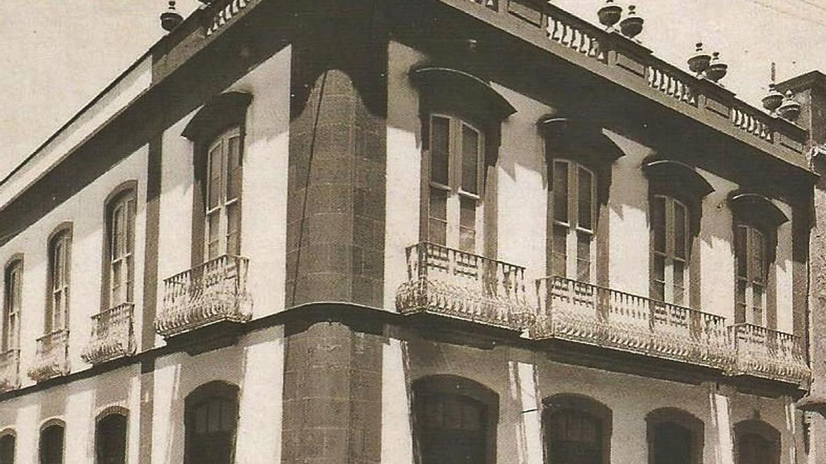 Gabinete Instructivo, Calle Valentin Sanz, esquina Adelantado.