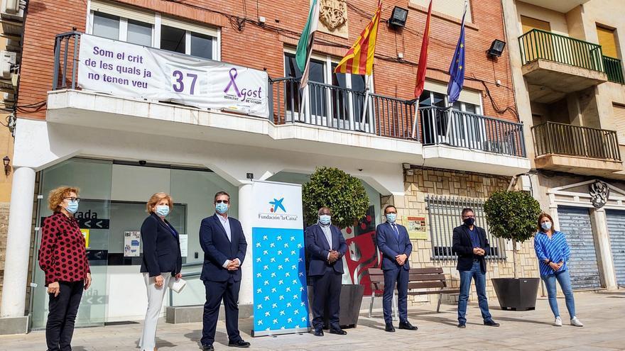 CaixaBank dona 3.000 euros a Cáritas de Agost