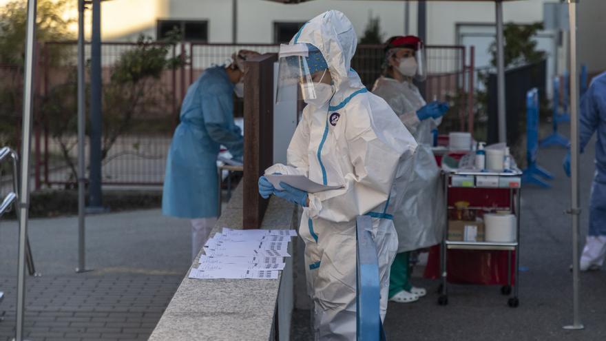 El COVID vuelve a sacudir a Zamora: cinco muertos, 106 contagios y tres brotes más