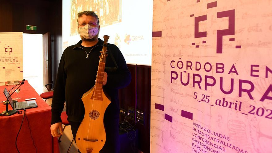 Conferencia de Jota Martínez sobre el 'instrumentarium' musical alfonsí