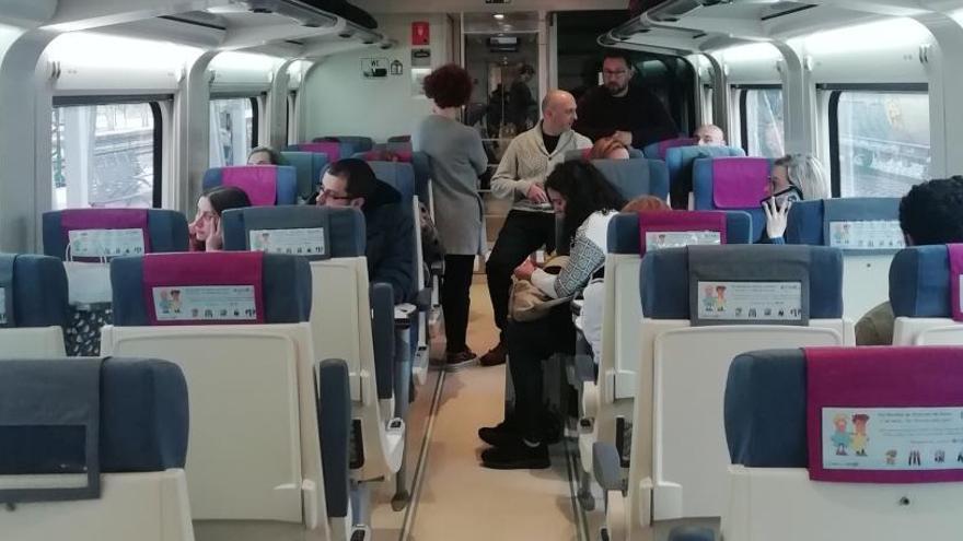 Unos 200 pasajeros del tren Vigo - A Coruña, afectados por una avería